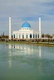 Minore bianco in Taškent, l'Uzbekistan della moschea Immagini Stock Libere da Diritti