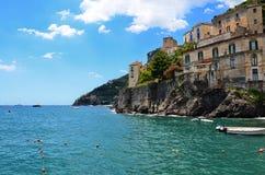 Minori på den Amalfi kusten, Italien Arkivbilder