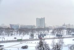 minsk Ansicht des Parks Starostinskaya Sloboda schneefälle Lizenzfreie Stockfotos