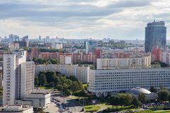 MINSK, BELARUS - 15 AOÛT 2016 : Vue aérienne de la partie occidentale de Minsk avec de hauts bâtiments Images libres de droits