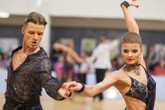 MINSK-BELARUS, APRIL, 7: Nicht identifiziertes Tanzpaar führt ADUL durch Lizenzfreies Stockfoto