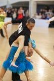 MINSK-BELARUS, APRIL, 7: Nicht identifiziertes Tanzpaar führt ADUL durch Stockbild