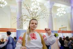 MINSK, BELARUS - FEBRUAR 1, 2018: beautiful girl in Belarusian t. Raditional costume Royalty Free Stock Photos