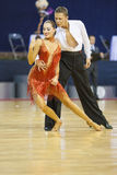 MINSK-BELARUS, IL 17 FEBBRAIO: La coppia non identificata di ballo esegue Fotografia Stock