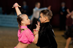 MINSK-BELARUS, NOVEMBER 6: Unidentified Junior Dan. Ce Couple performs Juvenile Standard Program on The Dance Fashion Cup WDSF Championship, on November 6, 2011 Royalty Free Stock Photos