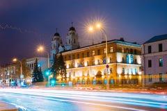 Minsk, Belarus Opinião da noite da catedral do Virgin Mary And de Saint Imagem de Stock Royalty Free