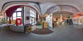 Minsk, Belarus - 2018 : panorama 3D sphérique de l'intérieur de grenier de partie avec la barre avec l'angle de visualisation 360 Photo libre de droits