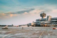 Minsk, Belarus Plan d'avions de support de Belavia de lignes aériennes au Photos libres de droits