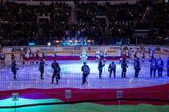 Minsk, Białoruś, 09 01 2018 - hokej zapałczany Dinamo Minsk Białoruś, Lokomotiv Yaroslavl Rosja - Obraz Stock