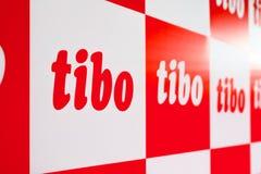 MINSK, BIELORRÚSSIA - 18 de abril de 2017: O logotipo do TIBO-2017 o 24o International especializou o fórum em telecomunicações,  Imagem de Stock