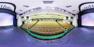 MINSK, BIELORRÚSSIA - EM JULHO DE 2016: o panorama esférico sem emenda completo 360 graus dobra dentro do interior do casino à mo foto de stock royalty free