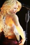 MINSK, BIELORRUSIA - 20 DE MAYO: Shakira se realiza en la Minsk-arena el 20 de mayo de 2010 en Minsk, Bielorrusia Imagen de archivo libre de regalías