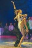 Minsk-Bielorrusia, el 18 de octubre de 2014: Pares no identificados Perfo de la danza Imagen de archivo libre de regalías