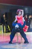 Minsk-Bielorrusia, el 18 de octubre de 2014: Pares no identificados Perfo de la danza Imagenes de archivo