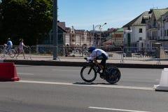 MINSK, BIELORUSSIA - 25 GIUGNO 2019: Il ciclista dalla Germania partecipa a donne spaccate inizia la singola corsa ai secondi gio immagine stock libera da diritti