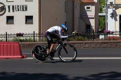 MINSK, BIELORUSSIA - 25 GIUGNO 2019: Il ciclista dalla Germania partecipa a donne spaccate inizia la singola corsa ai secondi gio immagine stock