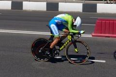 MINSK, BIELORUSSIA - 25 GIUGNO 2019: Il ciclista dalla Slovenia partecipa a donne spaccate inizia la singola corsa ai secondi gio immagini stock