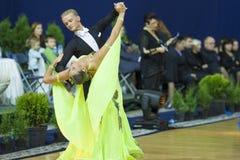 MINSK, PAŹDZIERNIK, 21: Taniec dorosła para Zdjęcie Stock