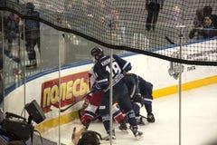 Minsk Vitryssland, 09 01 2018 - hockeymatch Dinamo Minsk Vitryssland - Lokomotiv Yaroslavl Ryssland Royaltyfri Fotografi