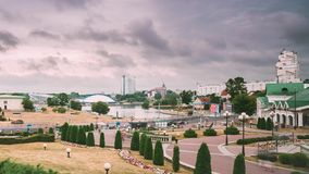 Minsk, Weißrussland - 14. Juni 2018: Stadtbildansicht der modernen Architektur von Minsk, in Nemiga, Nyamiha-Bezirk berühmt stock footage