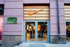 Minsk, Weißrussland, am 7. Mai 2018: Nike speichern in Minsk, Weißrussland Lizenzfreie Stockfotos