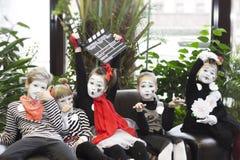 Minsk, Weißrussland - 11. November 2016: Kinder als Pantomimen Film-Festival Listapadzik Stockfotografie