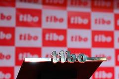 MINSK, WEISSRUSSLAND - 18. April 2017: Sprecherstand mit Logo des TIBO-2017 der 24. International spezialisierte Forum auf Teleco Stockbild