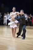 MINSK-WIT-RUSLAND, 19 MEI: De Volwassenen van het Paar van de dans Stock Afbeeldingen