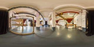 Minsk, Wit-Rusland - 2018: 3D sferisch panorama van het binnenland van de partijzolder met bar met het bekijken 360 hoek Klaar vo Royalty-vrije Stock Fotografie