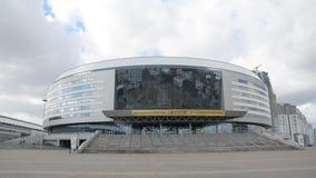 Minsk, Wit-Rusland - Maart, 19, 2019: Complexe wintersporten bekend als de Arena van Minsk stock video