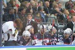 MINSK, WIT-RUSLAND - MEI 7: Laviolette Peter, hoofdbus van de V.S., reageert tijdens 2014 IIHF het Kampioenschapsgelijke van het  Stock Afbeeldingen