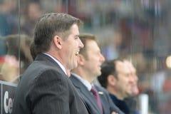 MINSK, WIT-RUSLAND - MEI 7: Laviolette Peter, hoofdbus van de V.S., reageert tijdens 2014 IIHF het Kampioenschapsgelijke van het  Royalty-vrije Stock Fotografie