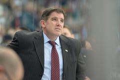 MINSK, WIT-RUSLAND - MEI 7: Laviolette Peter, hoofdbus van de V.S., reageert tijdens 2014 IIHF het Kampioenschapsgelijke van het  Royalty-vrije Stock Foto's