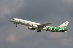 Mint Airways Boeing 757 Royalty Free Stock Photography
