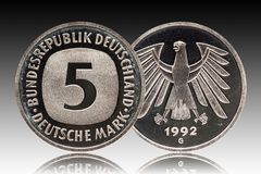 Minted Duits muntstuk vijf van Duitsland 5 tekens, omloopmuntstuk, pasmunt, 1992 royalty-vrije stock foto's