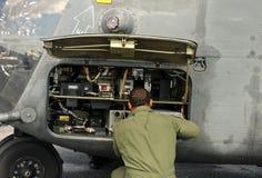 Mintenance d'hélicoptère Image stock