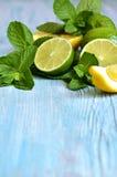 Mintkaramell med limefrukt royaltyfri foto