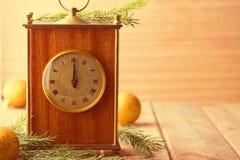 Minuit d'horloge de ` de presque douze O Photographie stock libre de droits