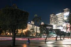 Minuit occupé de paysages urbains dans la ville de Lima de Semarang de simpang photographie stock libre de droits