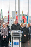 Minut av tystnad i hedersgåva till offren av Paris, råd av Arkivfoto