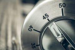 45 Minuten - Three-Quartes einer Stunde - Makro von einem analogen Chrom Lizenzfreie Stockfotografie