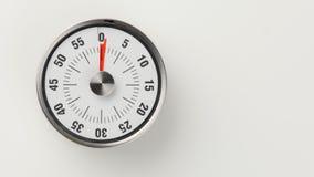 Minuterie analogue de compte à rebours de cuisine de vintage, 1 rester minute Photos stock