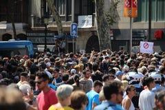 Minuto de silencio para las víctimas de Barcelona Imágenes de archivo libres de regalías