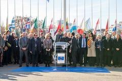 Minuto do silêncio no tributo às vítimas de Paris, o Conselho de Foto de Stock Royalty Free