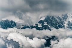 Minya Konka, de hoogste berg in Sichuan, China stock afbeeldingen