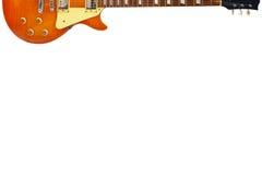 Miodowa sunburst rocznika gitara elektryczna przy wierzchołkiem biały tło z obfitością kopii przestrzeń, Obraz Royalty Free