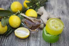 Miodowej cytryny imbirowy handmade mydło, opanowany dla zdrojów traktowań obraz stock