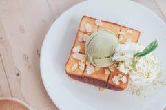 Miodowy grzanki Matcha zielonej herbaty lody Obrazy Stock