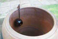 Miotacz wodna i drewniana łyżka out koks Fotografia Royalty Free