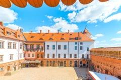 Mir美丽的城堡,庭院 免版税库存图片